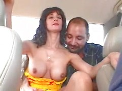 Amateur MILF gets her pussy hard fingering and rubbed in the car